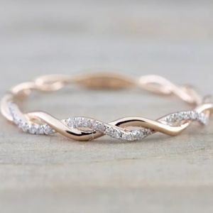ROSE GOLD DIAMOND TWISTED ETERNITY BAND RING